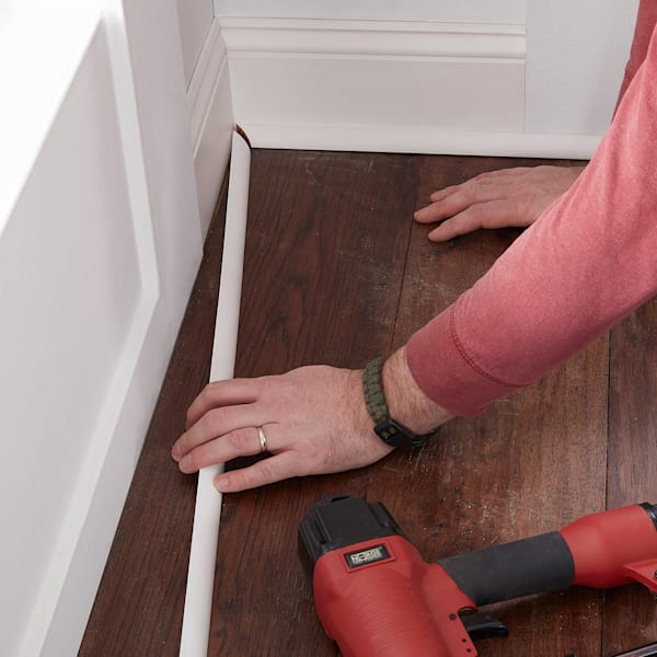 installer fitting shoe molding trim norge nailer in sho